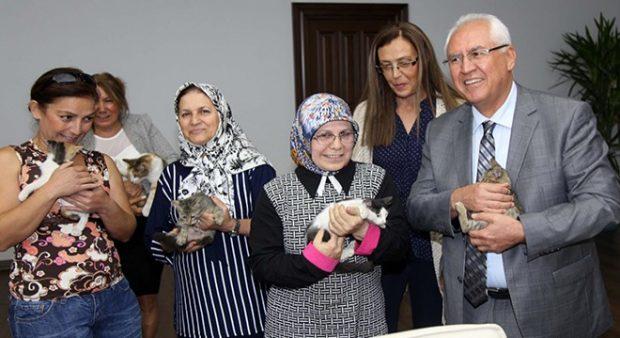 karabağlar 620x338 Evcil hayvanlarıyla ziyaret ettiler
